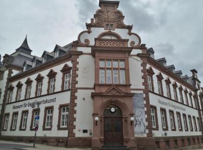 Des ehemalige Kaiserliche Post- und Telegrafenamt - heute Sitz des Museums für Gegenwartskunst
