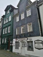 Erhaltene Schiefergedeckte Häuser in der Altstadt unterhalb des Oberen Schlosses
