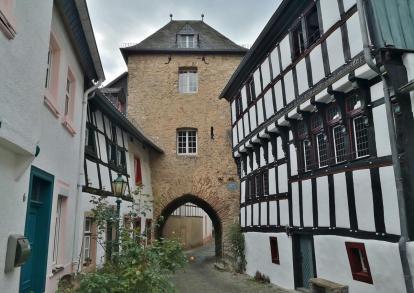 Das Hirtentor in der Altstadt unterhalb der Burg
