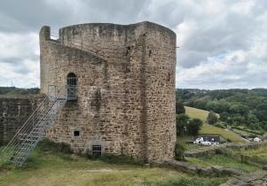 Der St. Georgs-Turm auf der Burg Blankenberg