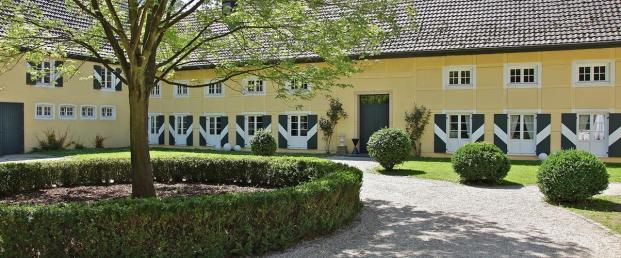 Innenhof der Wasserburg Haus Graven