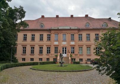Schloss Rühstädt, Vorderseite