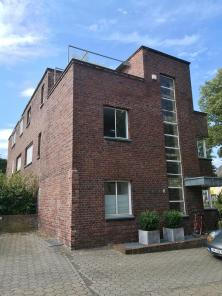 Auch das gibts am Rande der Altstadt: Bahaus-Architektur aus den 1920er Jahren
