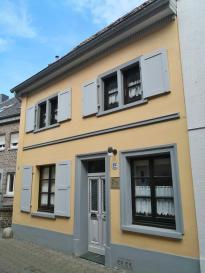 Typisches kleines Stadthaus aus dem 18. Jahrhundert am Kuhtor