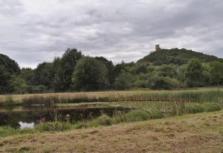 Blick zurück zur Gleichenburg auf dem Weg zur Wachsenburg