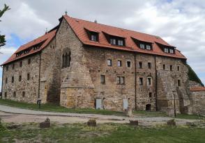Hauptgebäude der Wachsenburg