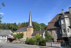 Kirche im alten Ortszentrum von Hoffnungsthal