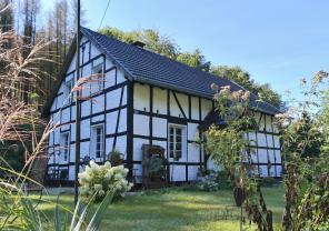 Von den umfangreichen Anlagen der Grube Lüderich steht heute nur noch das alte Waschhaus