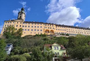 Blick von der Altstadt hinauf zum Schloss