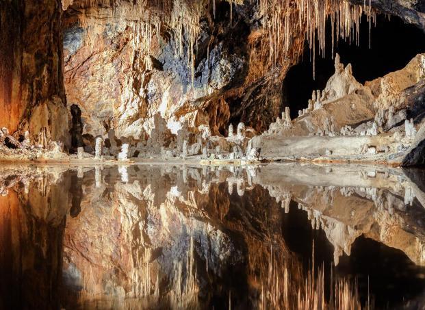 Der sogenannte Märchendom in den Saalfelder Feengrotten (Foto Ansgar Koreng | http://commons.wikimedia.org | Lizenz: CC BY-SA 3.0 DE)