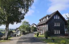 Zufahrt zur Burg Wildenburg