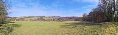 Panoramablick über die Höhen in bei Lindbach