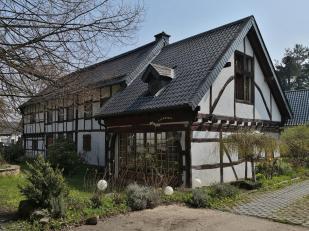 Schönes Fachwerkhaus neben der Burg Satzvey