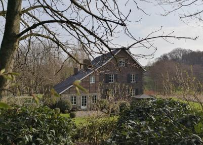 Prächtige Residenz im Hasselbachtal