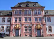 Die ehemalige Fürstabtei neben der Basilika
