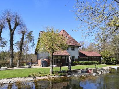 Noble Wohnstätte: Der ehemalige Bahnhof Rosenthal.