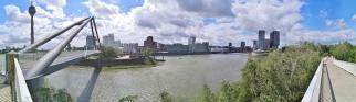 Panoramabild von der Brücke über die Hafeneinfahrt
