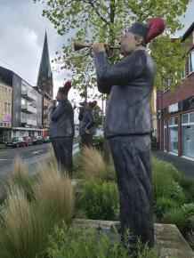 "Figurengruppe ""Die Bergmannskapelle"" am Wappenplatz in OB-Osterfeld"