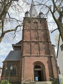 Die Kirche St. Peter am Kirchplatz