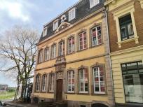 """Gebäude """"zu den Schwänen"""" von 1867 in der Straße """"am Rheintor"""""""