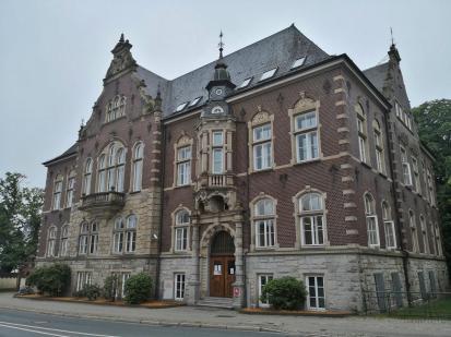 Das alte Amtsgerich zwischen Rathaus und Burginsel