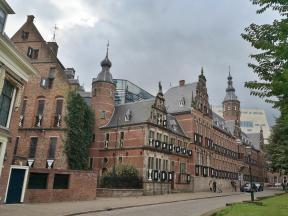 Provinciehuis hinter der Martinskerk - Sitz der Provinzregierung