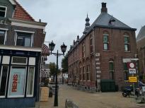 Seitlicher Blick auf das historische Rathaus