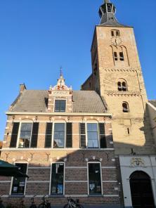 Andreaskirche am Marktplatz im Licht der untergehenden Sonne
