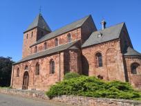 Die Kirche St. Johann Baptist vor der Burg