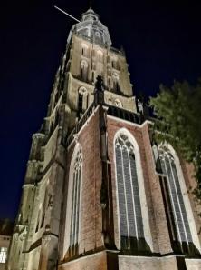 Turm der Sint Walburgiskerk