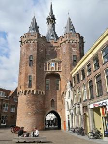 Stadttor Sassenpoort aus dem 15. Jahrhundert