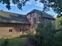 Die Clörather Mühle auf dem Gelände einer früheren Wasserburg