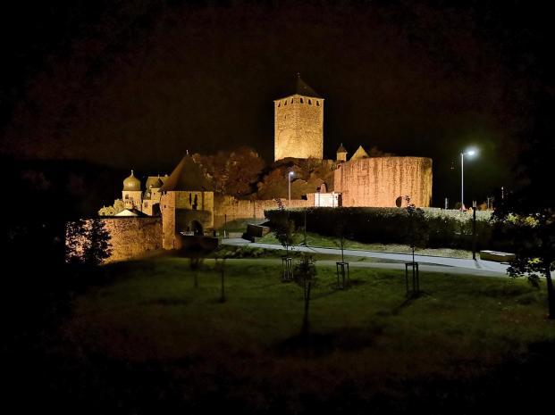 Burg Lichtenberg bei Nacht