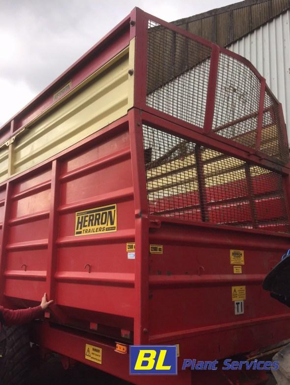 farm trailer2