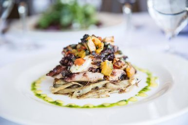 We offer only fresh seafood