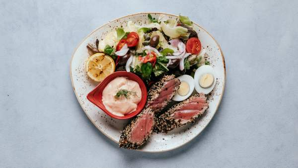 blu beach spicy tuna salad