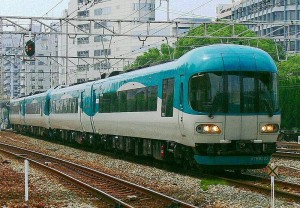 Some of Maizuru are operated by KTR 8000 series (C) Mamo-800px-Ktr3
