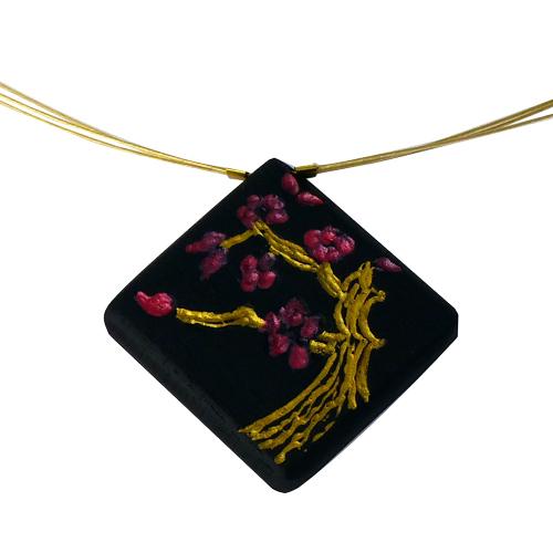 collier-cerisier-en-fleurs-ebene-or-zoom