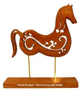 sculpture-bois-cheval-de-pique-anne-emmanuelle-maire-bluebaobab