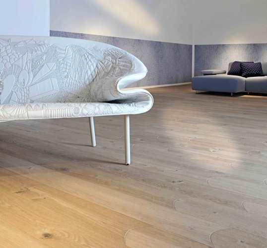 Beveled Edge Wooden Flooring in Natural Oak
