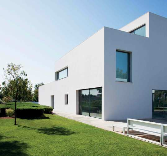 Essenza contemporary architectural fenestration design