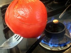 3.トマトの皮もむきましょう