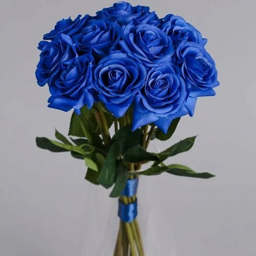 12 blue roses