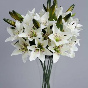 Artificial White Lilies_2 silk flowers