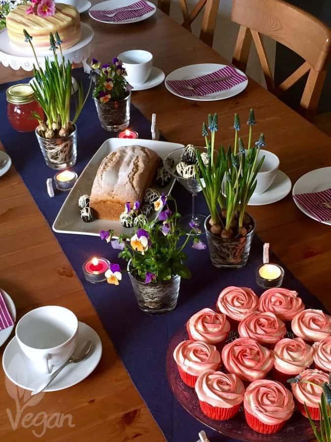 Erdbeer Cupcakes mit weißer Schokolade und weitere Ideen für süße Ostern