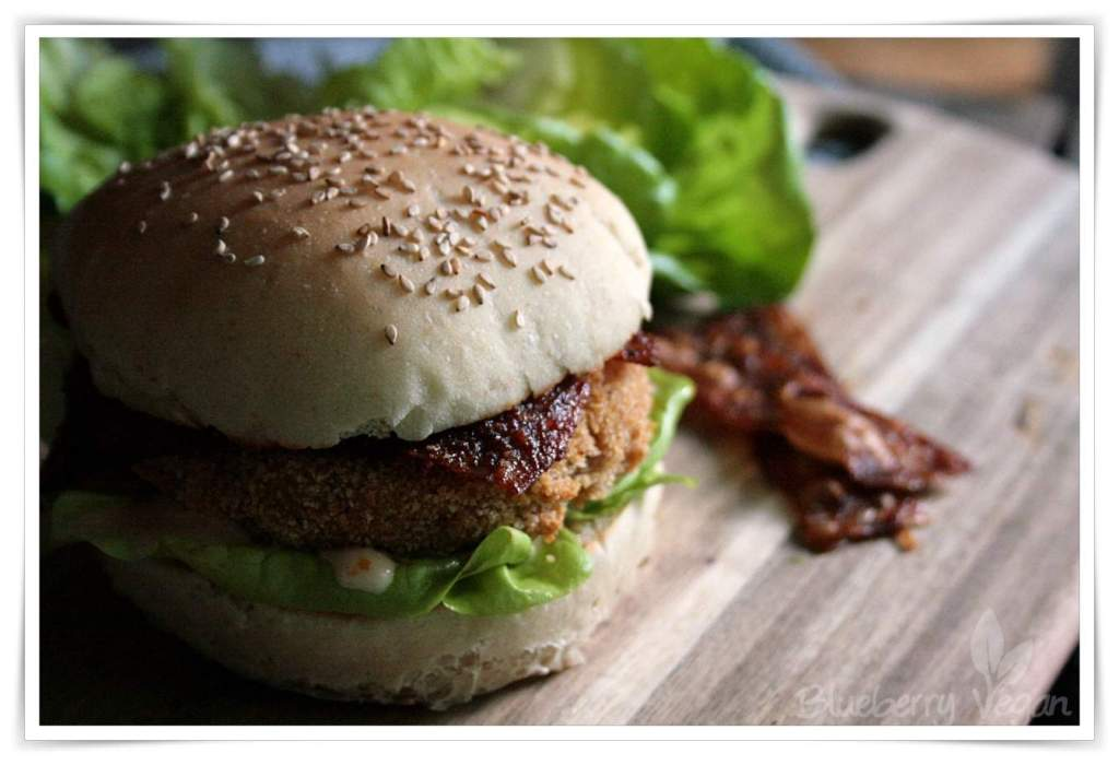 [cml_media_alt id='4582']Veganer Chicken-Burger mit Reispapierbacon[/cml_media_alt]