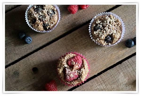 Frühstücksmuffins mit frischen Beeren