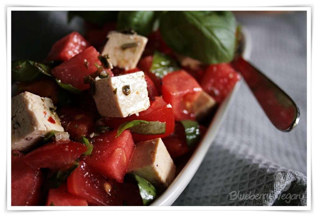 [cml_media_alt id='5066']Wassermelonen-Tomaten-Salat mit Tofu-Feta[/cml_media_alt]