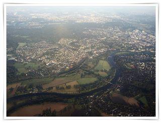 Blick aus dem Flugzeug über Düsseldorf