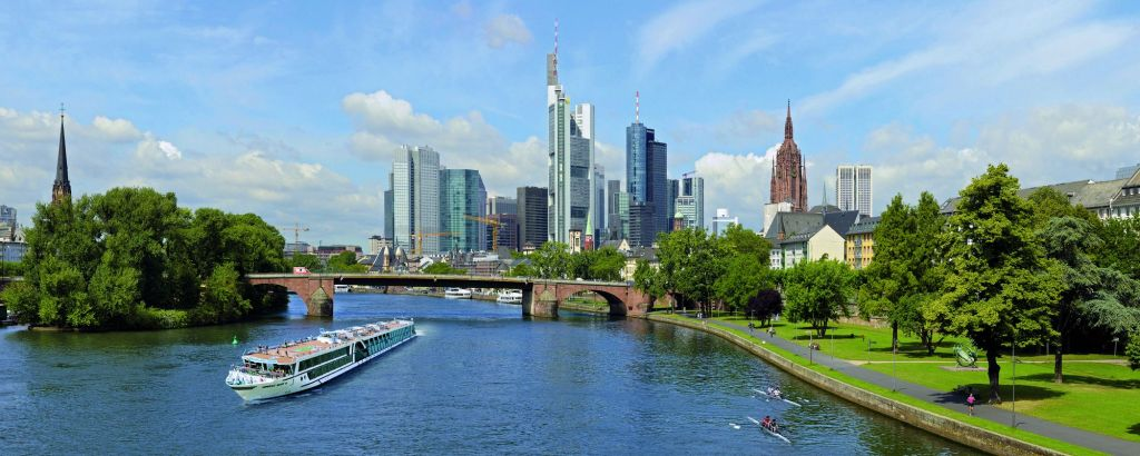 csm_03_AMADEUS_Silver_III_Frankfurt_Skyline_6f7b65e0ee